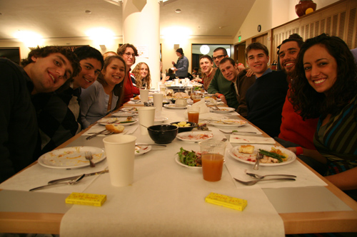 Hungry students await their Thanksgiving feast. (Photos by Intisar Abioto '09)