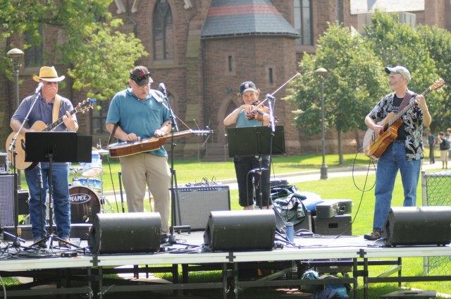 The Mattabassett String Collective, a Wesleyan faculty/staff band, performed an eclectic mix of bluegrass, blues, country and rock during THE MASH, Sept. 7.