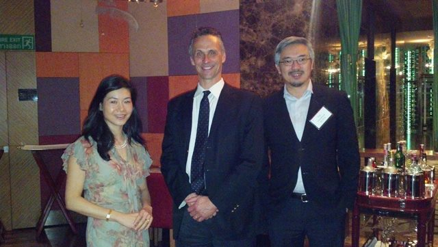 Wesleyan President Michael Roth met with alumni at Centara Grand in Bangkok on Jan. 18. President Roth is pictured here with his hosts, Sookta Chirathivat P'14, P'17 and Tos Chirathivat '85, P'14, P'17.