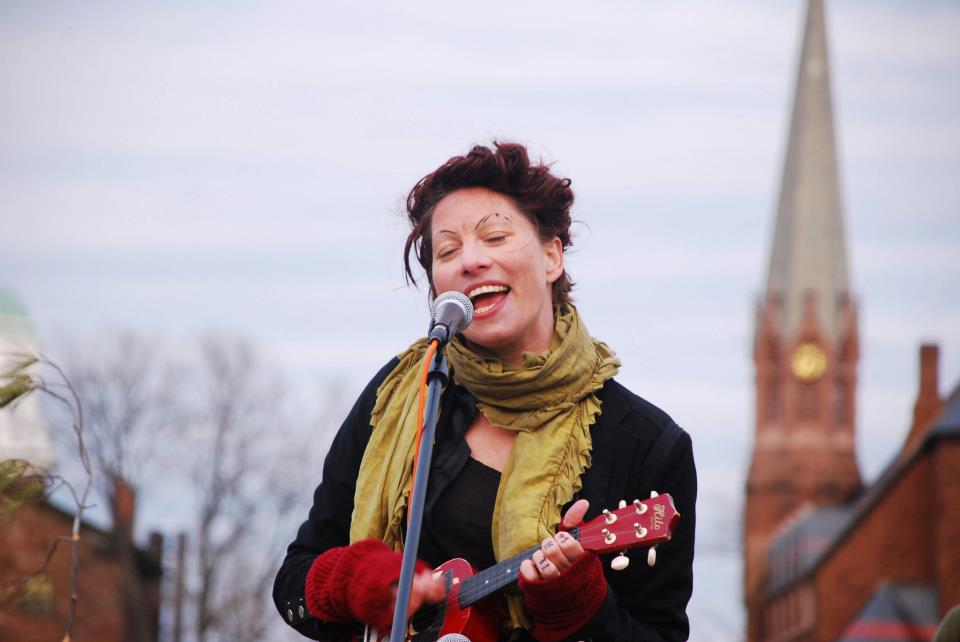 Palmer, a singer/songwriter in Amanda Palmer and the Grand Theft Orchestra, and the musical duo The Dresden Dolls, played ukulele at the Humanities Festival.