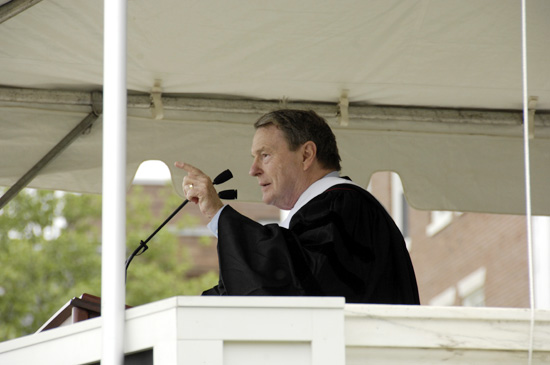 Jim Lehrer P'85, anchor of T<i>he NewsHour with Jim Lehrer</i>, delivered the commencement address during ceremonies May 27. (Photo by Bill Burkhart)