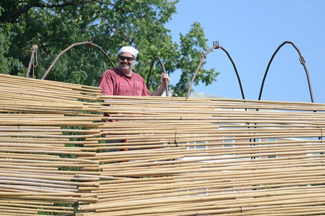 The bamboo is framed on 46 high carbon steel pipes and six steel rods.