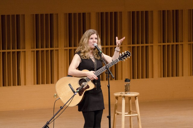 Singer-songwriter Dar Williams '89, known for her intimate song storytelling, gave a concert to benefit financial aid in Crowell Concert Hall on Nov. 1.