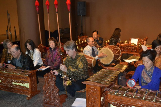 "On Nov. 3, Sumarsam, Artist-in-Residence I.M. Harjito and members of the Wesleyan Gamelan participated in a ""jam session"" with gamelan teachers at the California Institute of the Arts, University of Michigan, U.C. Berkeley and other American gamelan teachers/musicians."