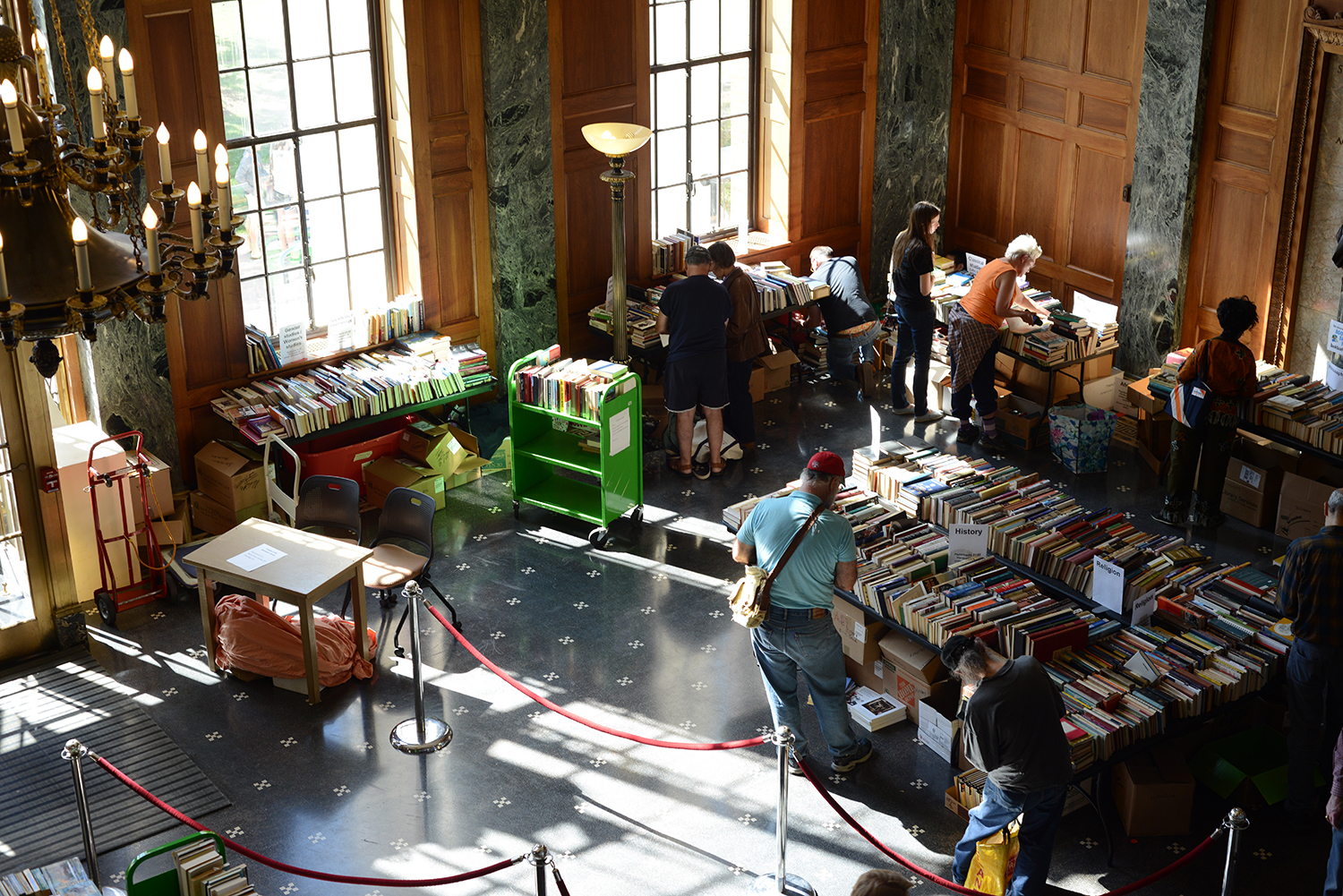 Friends of the Wesleyan Library hosted their annual fall book sale Sept. 27 in the lobby of Olin Memorial Library.