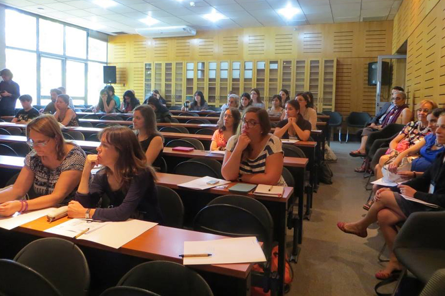 Weil led a series of workshops designed to introduce the field to an eclectic gathering of faculty from universities in the Santiago area.