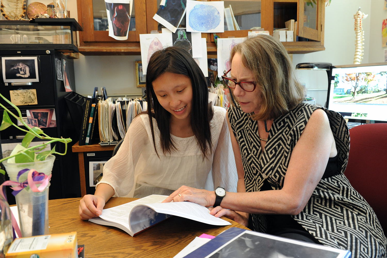 Annie Burke, professor of biology and director of graduate studies, met with Chloe Qiu '19