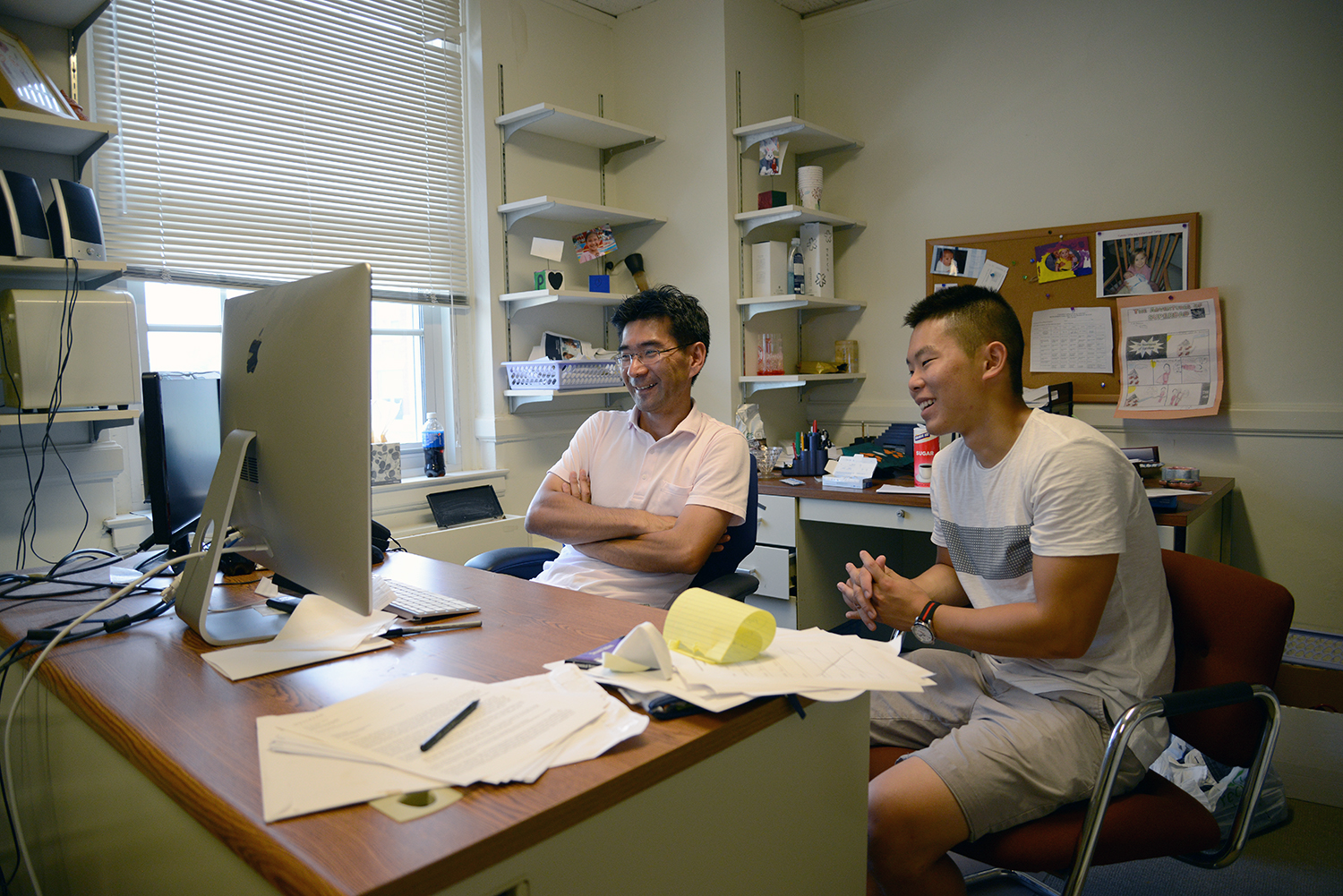 Masami Imai, chair and professor of economics, professor of East Asian studies, met with with Brian Oh '19.