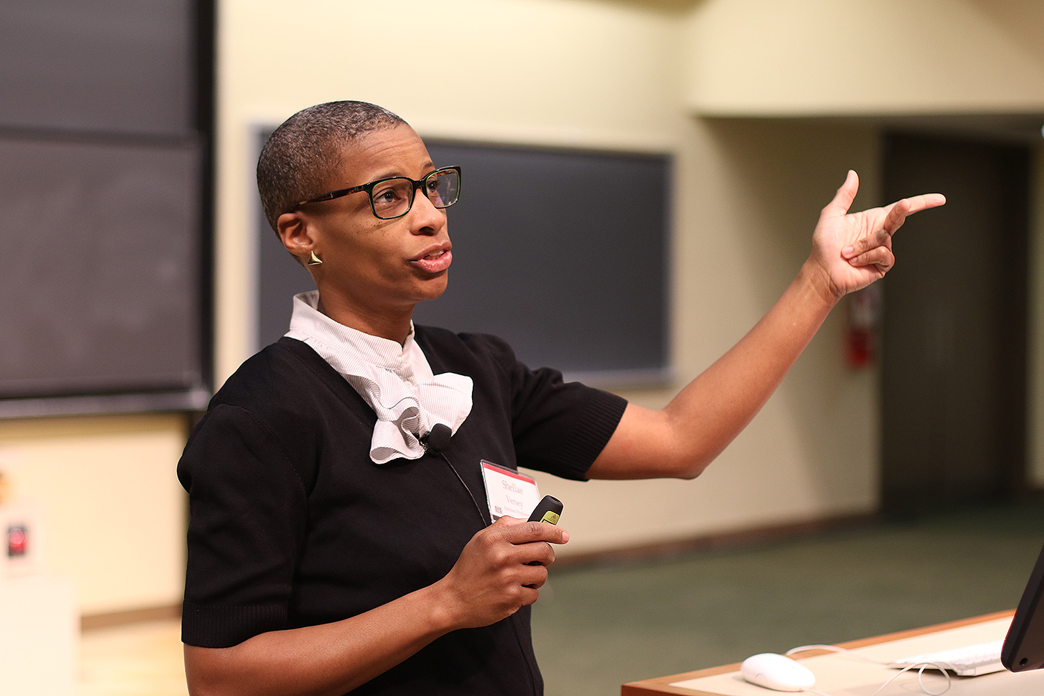 "Assistant Professor of Psychology Shellae Versey presented ""A Systems Approach to Healthy Places"" during the 12th Annual Robert Schumann ""Where On Earth Are We Going?"" Symposium, Nov. 7 during Homecoming/Family Weekend.  (Photo by Hannah Norman '16)"