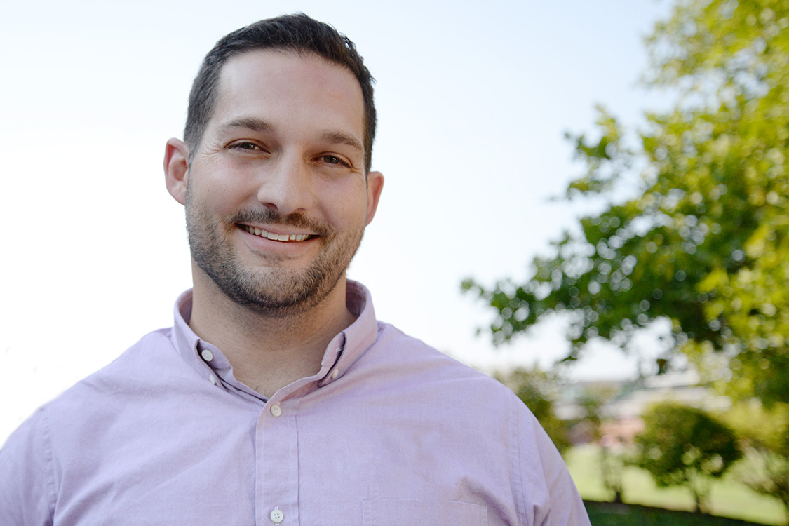 Jeffrey Naecker, assistant professor of economics, joined the faculty this fall. He teaches afield course on behavioral and experimental economics, which are hisprimary areas of research.
