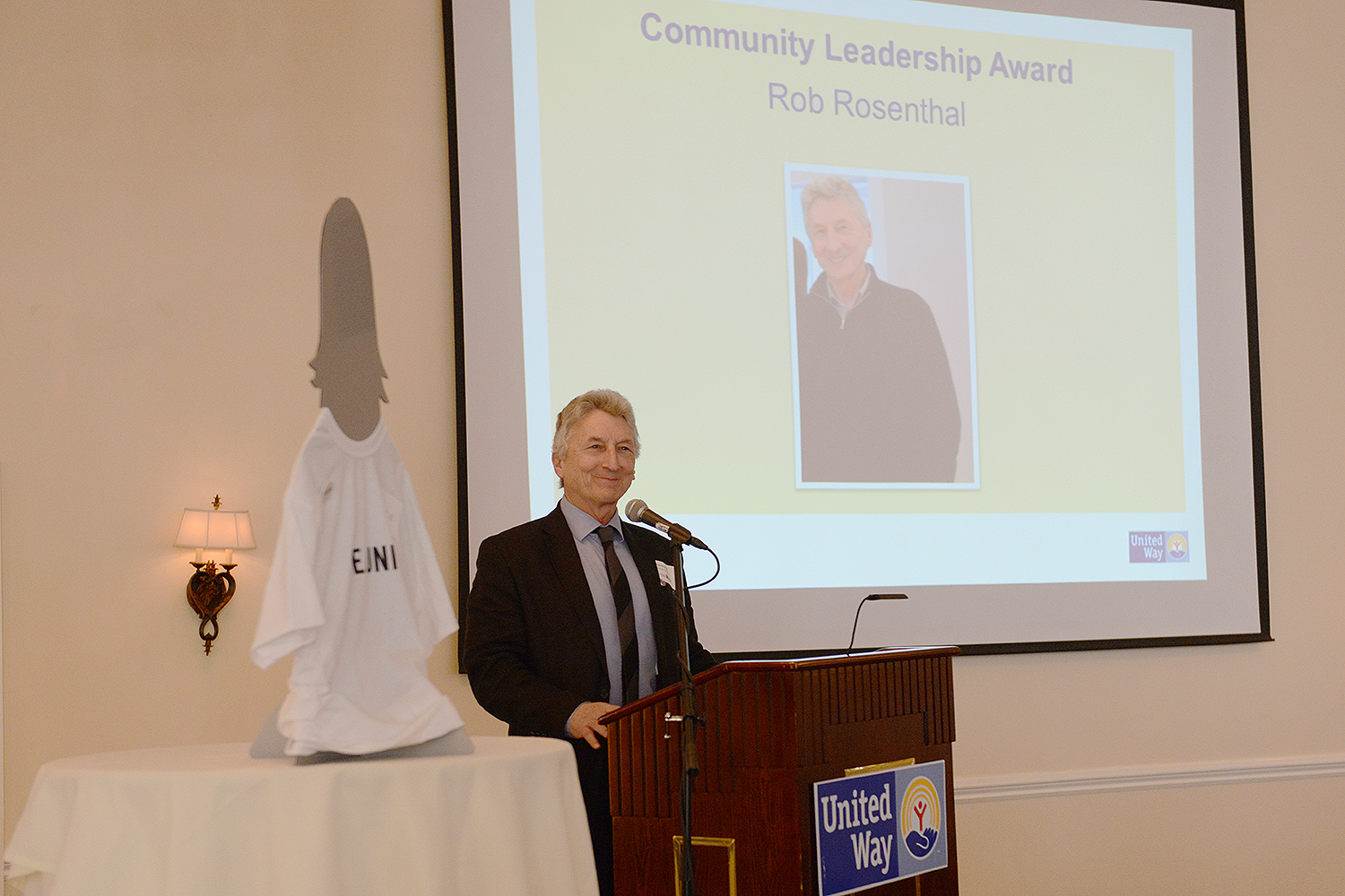 Rob Rosenthal, director of the Allbritton Center for the Study of Public Life and the John E. Andrus Professor of Sociology, was honored with the Community Leadership Award during the Middlesex United Way Annual Meeting on Jan. 28.