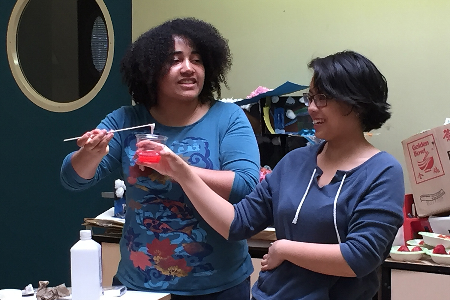At Green Street, biology major Taylor Matthew '17 and East Asian studies major Erin Deleon '17 and led a hands-on science activity for GSTLC's Discovery AfterSchool students.