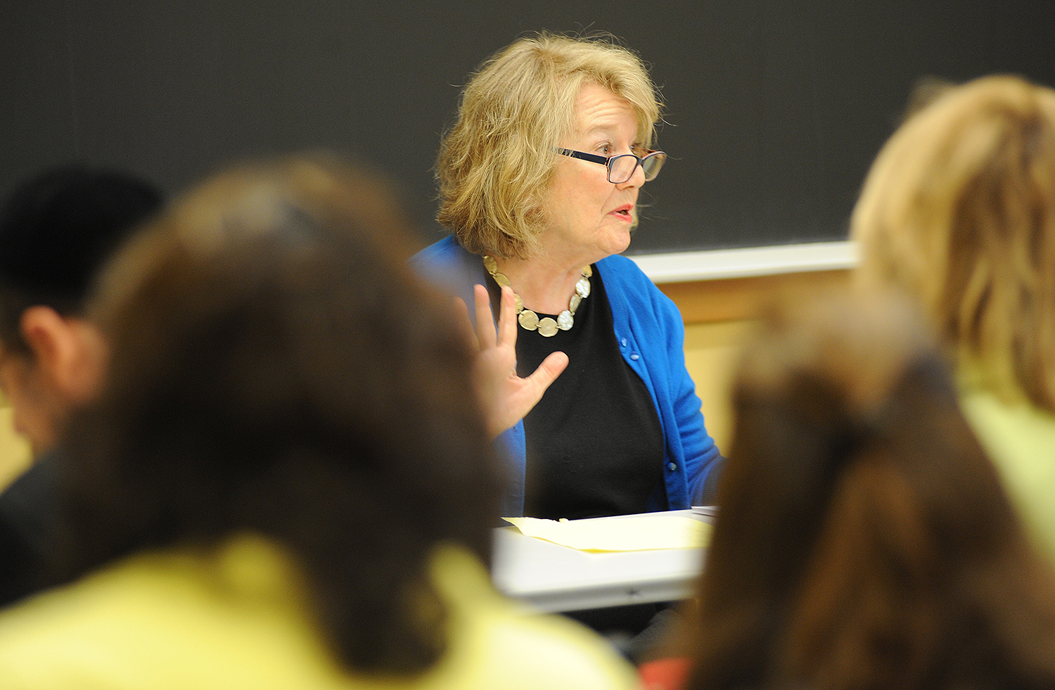 Guest faculty member Lis Harris, a journalist and author, spoke about literary journalism and memoir. Harris was a staff worker on The New Yorker for 25 years, and her work has appeared in The New York Times, The World Policy Journal, and the Wilson Quarterly.
