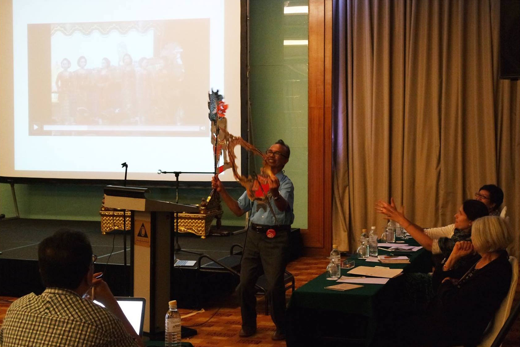 University Professor of Music Sumarsam demonstrated puppet movements at the 4th Symposium of the International Council for Traditional Music Study Group on the Performing Arts of Southeast Asia (ICTM PASEA), in Penang, Malaysia.