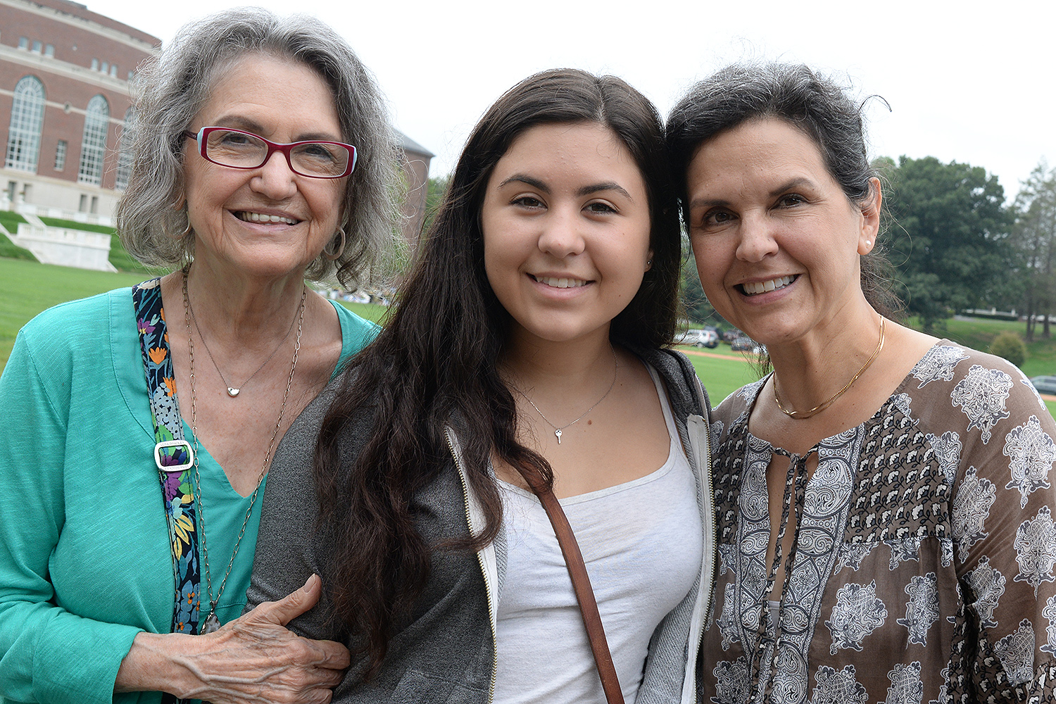 Lily Davis '20, center, from Portland, Ore., gets move-in help from her mother Gia Pitillo and grandmother Elizabeth Pitillo. Truly a special moment to see three generations on Arrival Day.