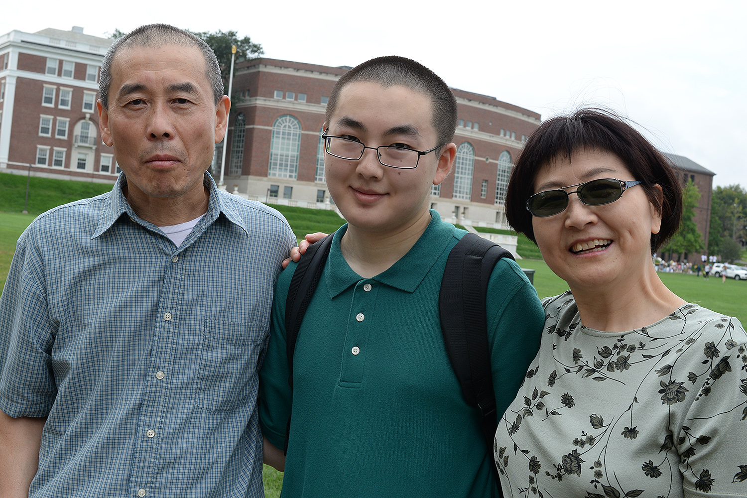 Parents Jie Zhou and Yewei Liu helped their son Kevin Liu '20 move to campus for Arrival Day. Kevins is from Elliot City, MD.