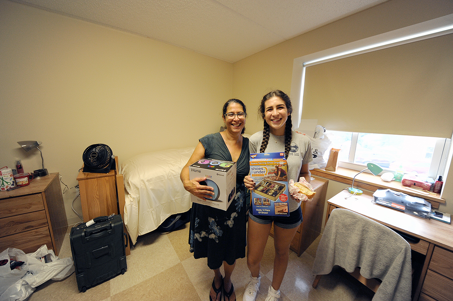 Nancy Auerbach helped her daughter Dalia '20 move to campus on Arrival Day. The Auerbach family is from Claremont, Calif. Dalia always knew she would end up on the East Coast for college and is excited for all the activities Wesleyan has to offer.