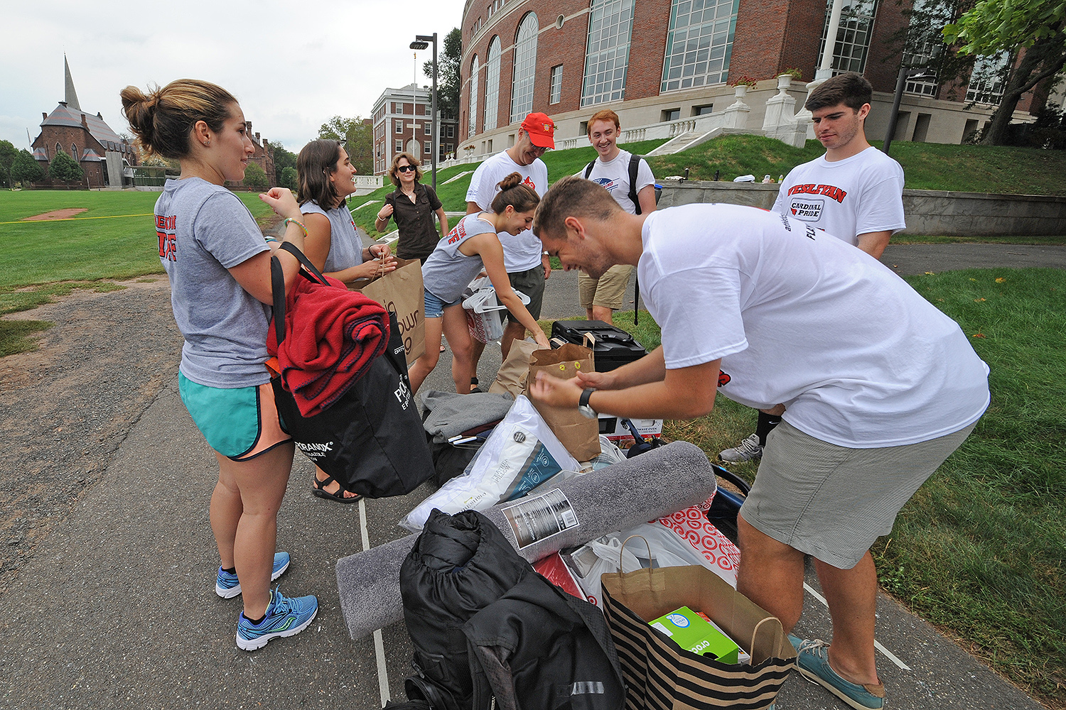 Several Wesleyan student athletes, upperclassmen and Wesleyan staff and faculty helped new students move their belongings on Arrival Day. Aug. 31.