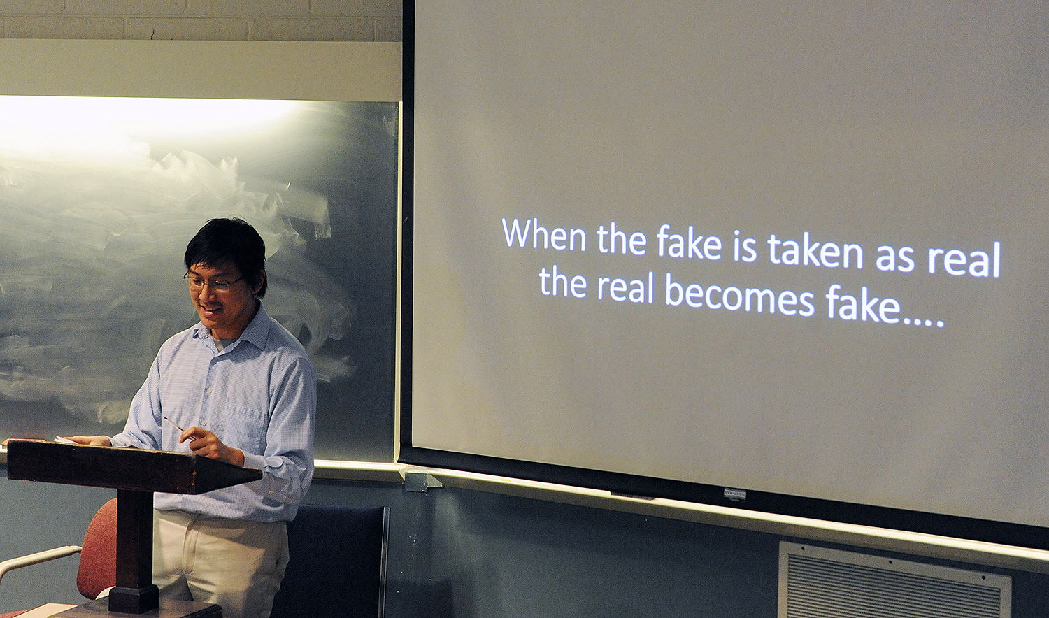 Tan spoke about how the state controlled the flow of information in imperial and modern China. The distinction between real and fake news rendered meaningless.