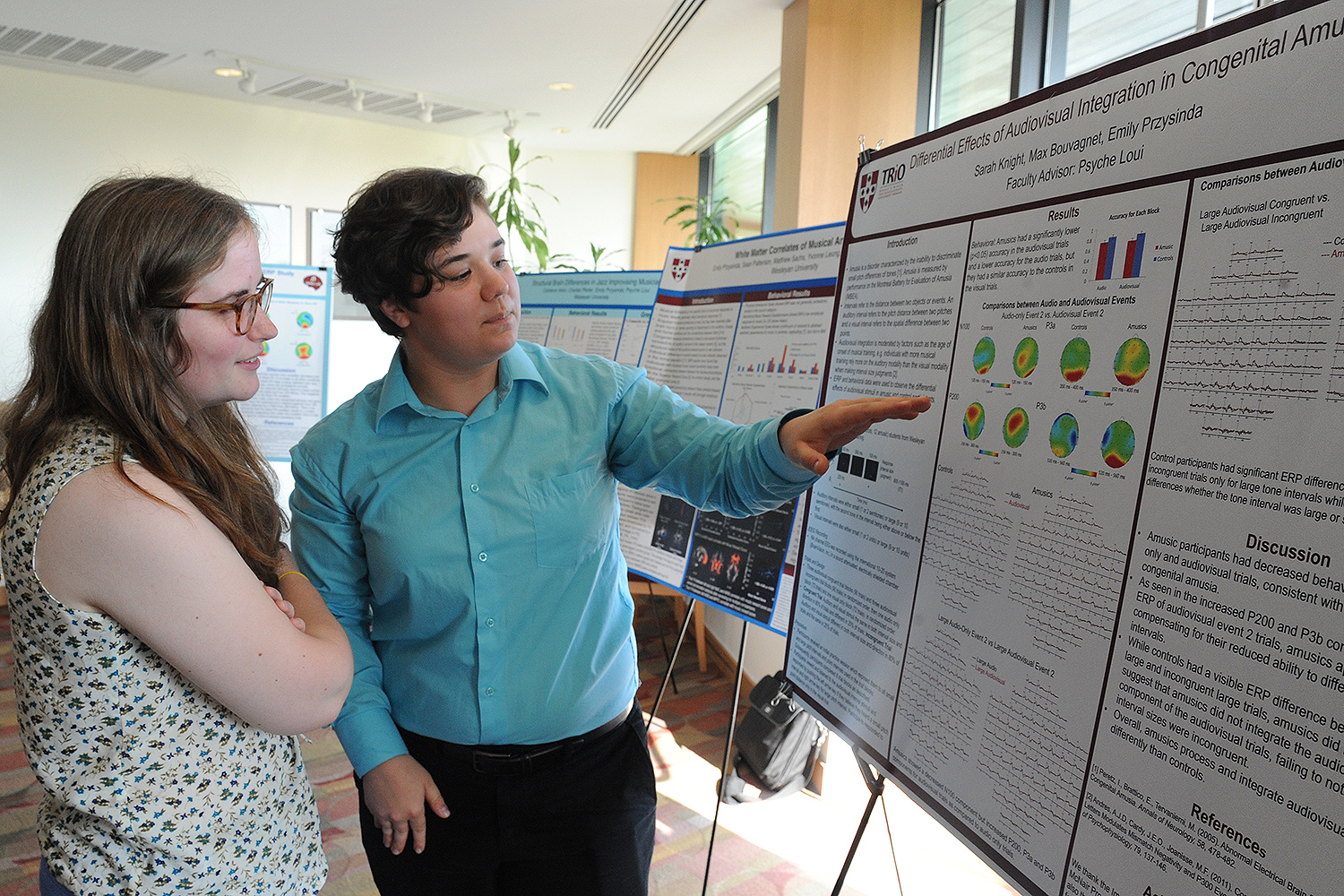 "Sarah Knight '17 presented a poster titled ""Differential Effects of Audiovisual Integration in Congenital Amusia"" at the NSB poster session."
