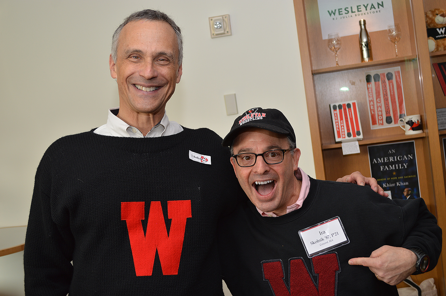 Wesleyan President Michael Roth '78 mingles with Ira Skolnik '87, P'21 during the Alumni Donor Reception Nov. 4.