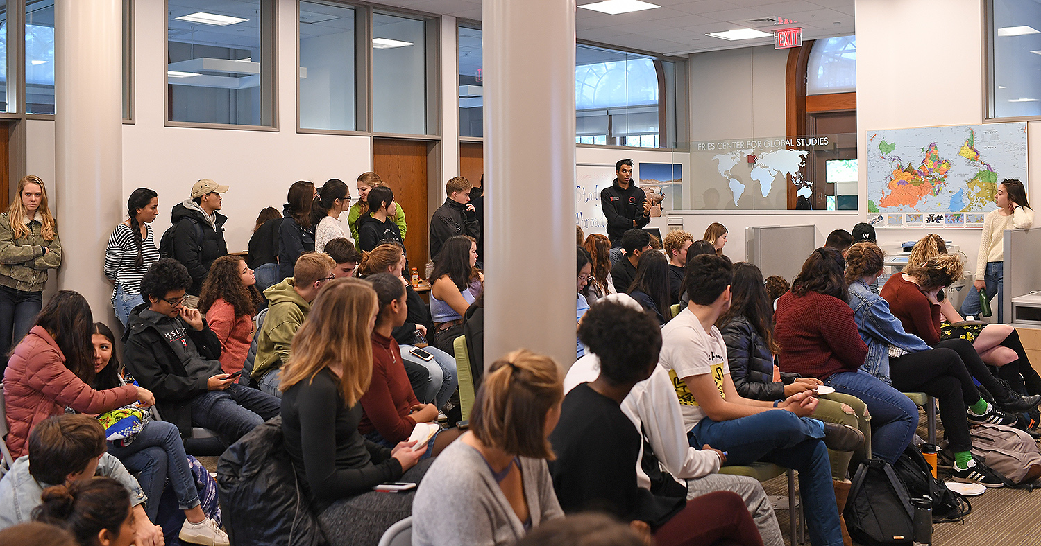 On Nov. 15, students from the Class of 2020 and Class of 2021 attended an Introduction to Study Abroad & Fellowships meeting at the Fries Center.