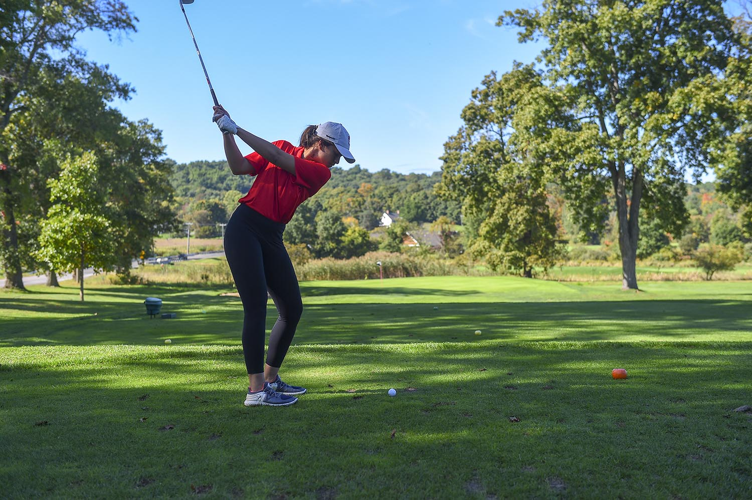 The three individuals that competed in fall competition this season were juniors Saadia Naeem and Emma Mehta, and first-year Meg Wiley. Naeem is the most experienced of the trio, having been a member of the Wesleyan golf team since 2016–17. She will serve as the team's captain in its inaugural 2019–20 season.