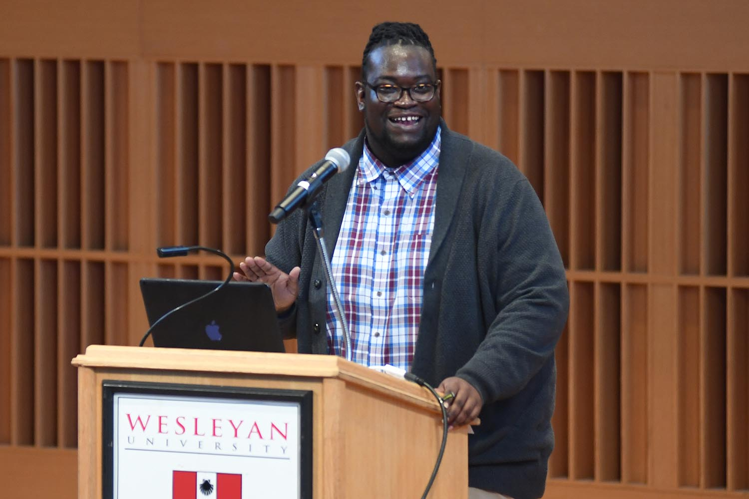 Demetrius Colvin, director of Wesleyan's Resource Center, welcomed the audience on behalf of the MLK Commemoration Committee. Colvin is the chair of the committee.
