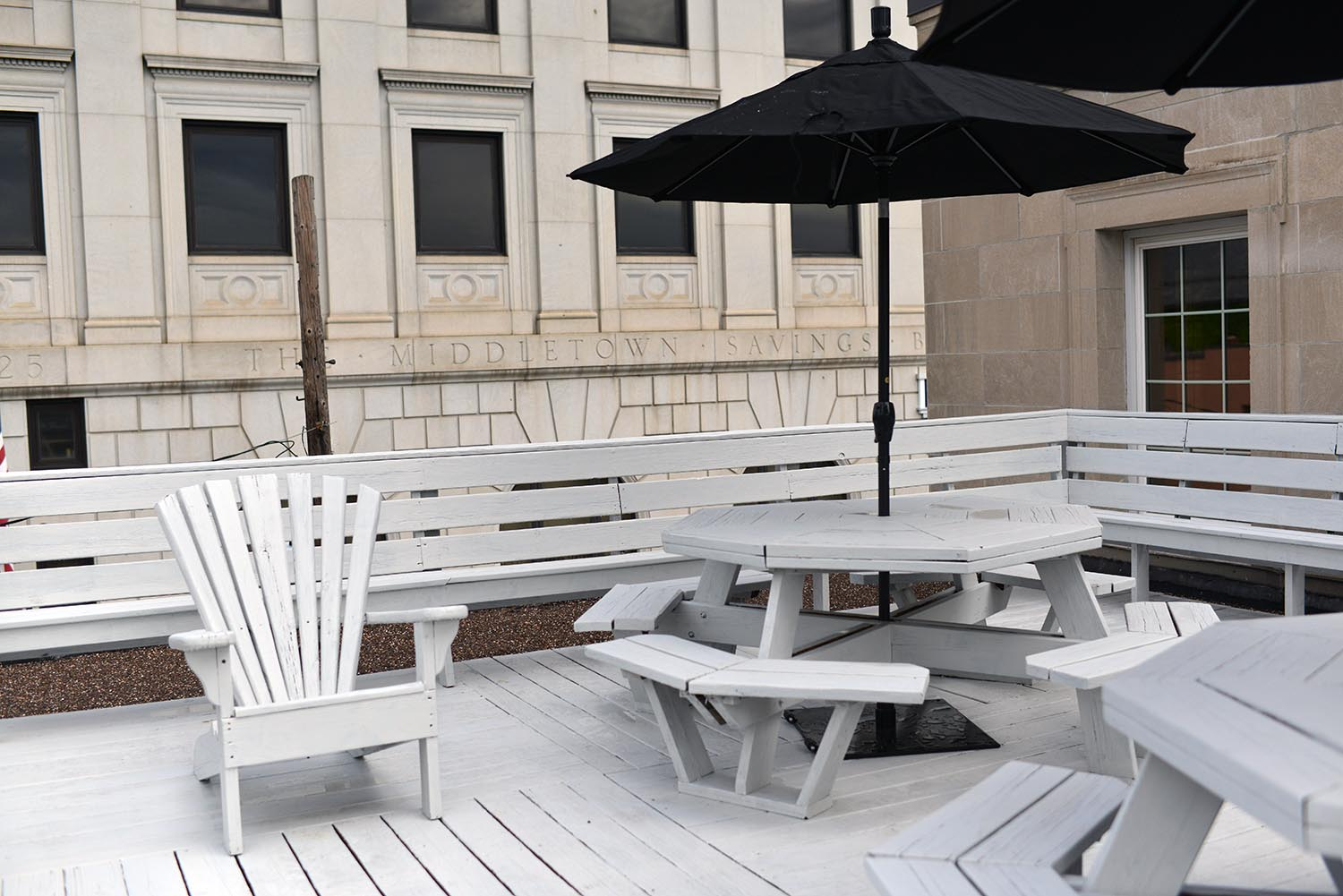 The new building offers employees and guests a rooftop deck and picnic area.