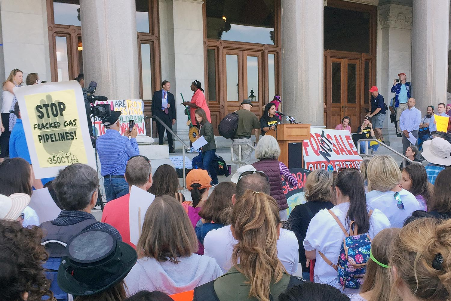 An additional 40 Wesleyan students rallied at the climate strike in Hartford. Sanya Bery '20 spoke there too  :)