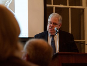 """Former Wesleyan Trustee Dr. Joseph Fins, M.D. '82 returned to campusNov. 5 to speak on""""Giving Voice to Consciousness: Neuroscience, Neuroethics and the Law"""" as part of the Russell House Series on Prose and Poetry. Several students and faculty attended the talk."""