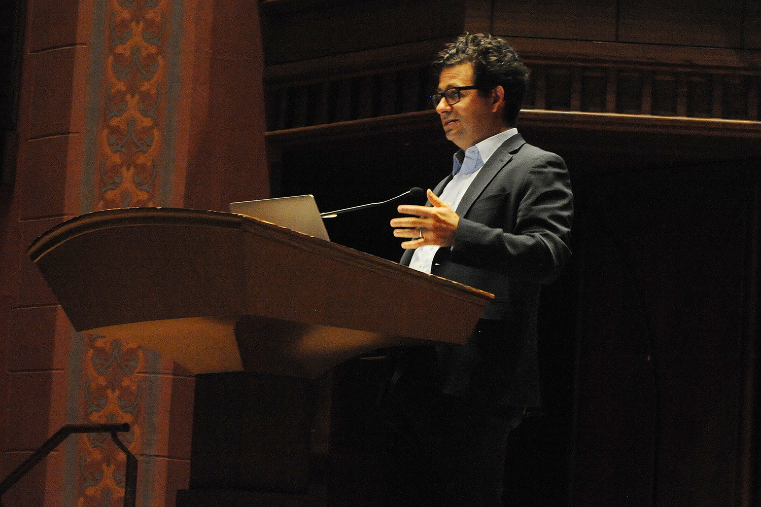 Michael Romano '94 delivered the keynote address at the Shasha Seminar Oct. 14 in Memorial Chapel.